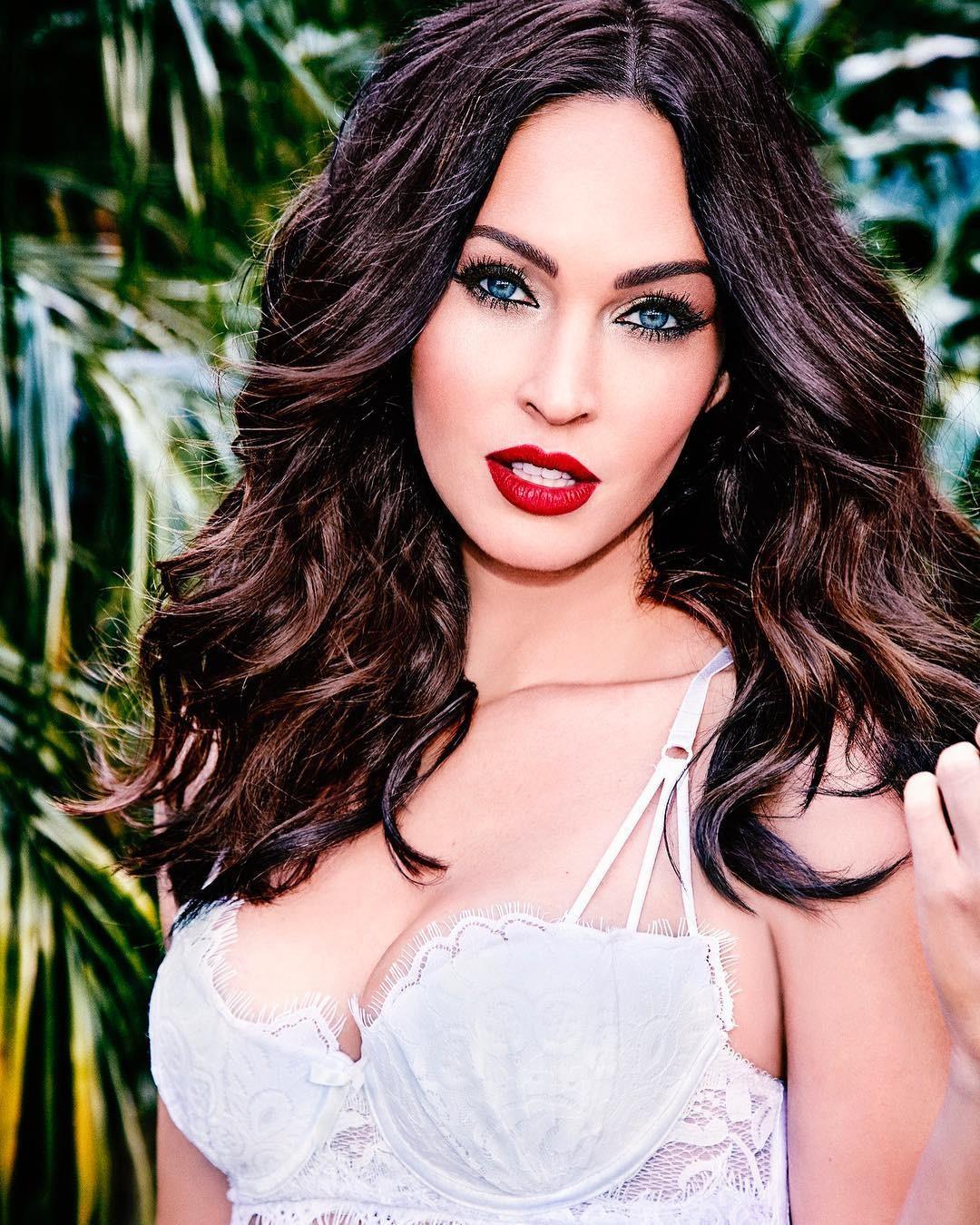 hot girl - Megan Fox