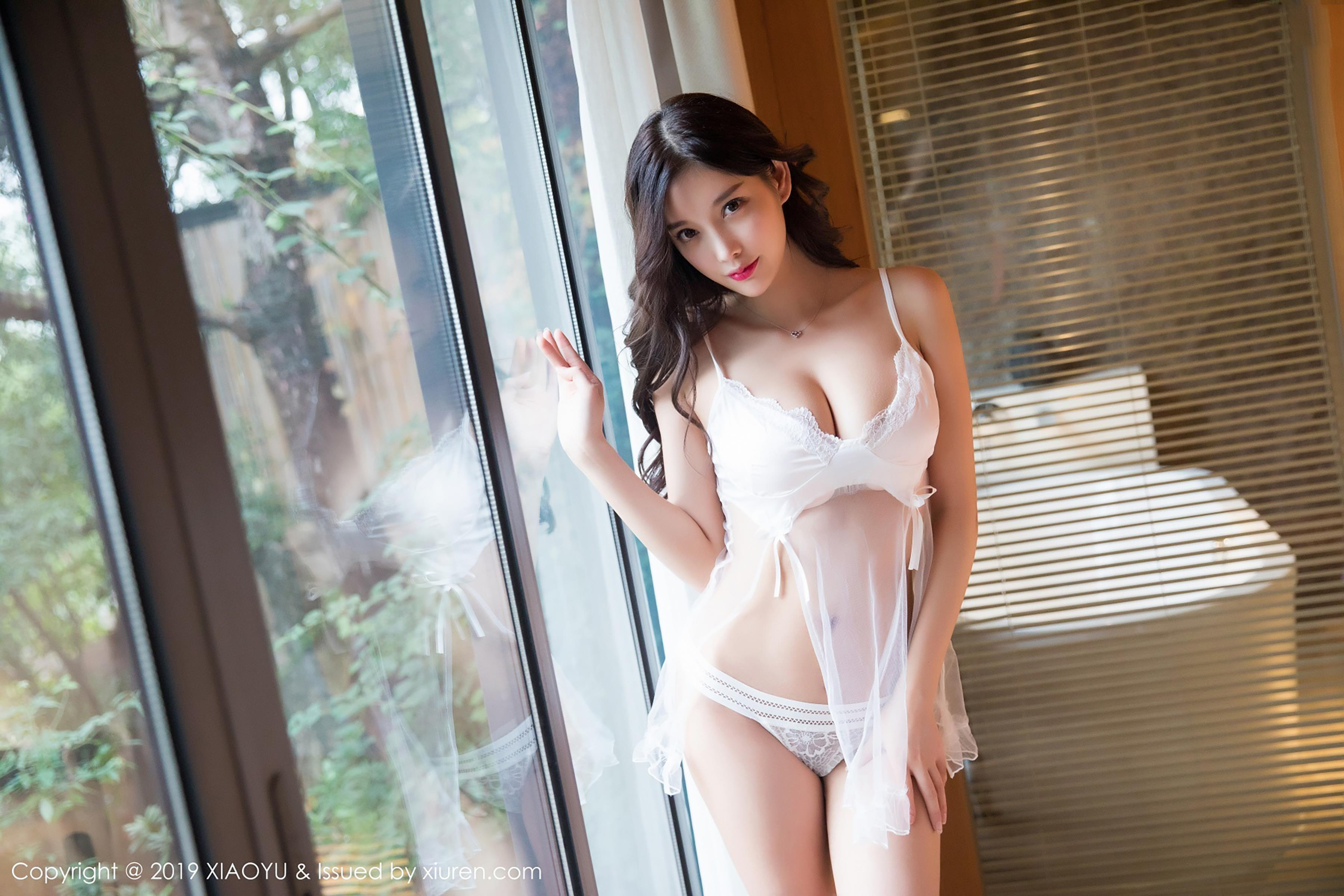 beautiful Chinese glamour in lingerie