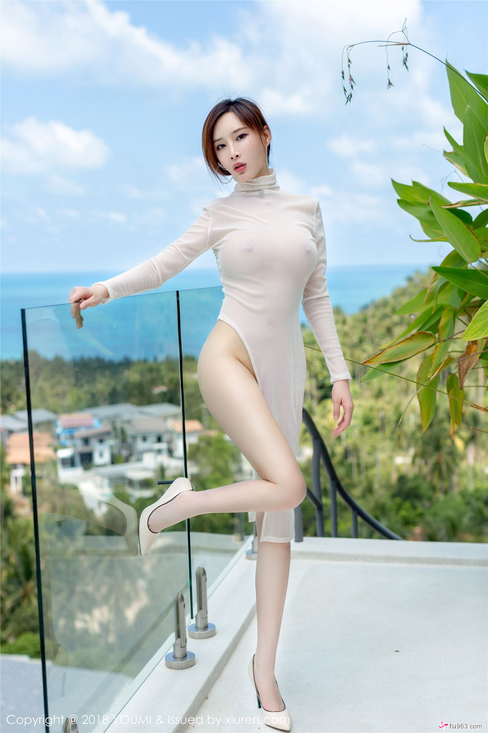 hot mesh wearing Chinese glamour