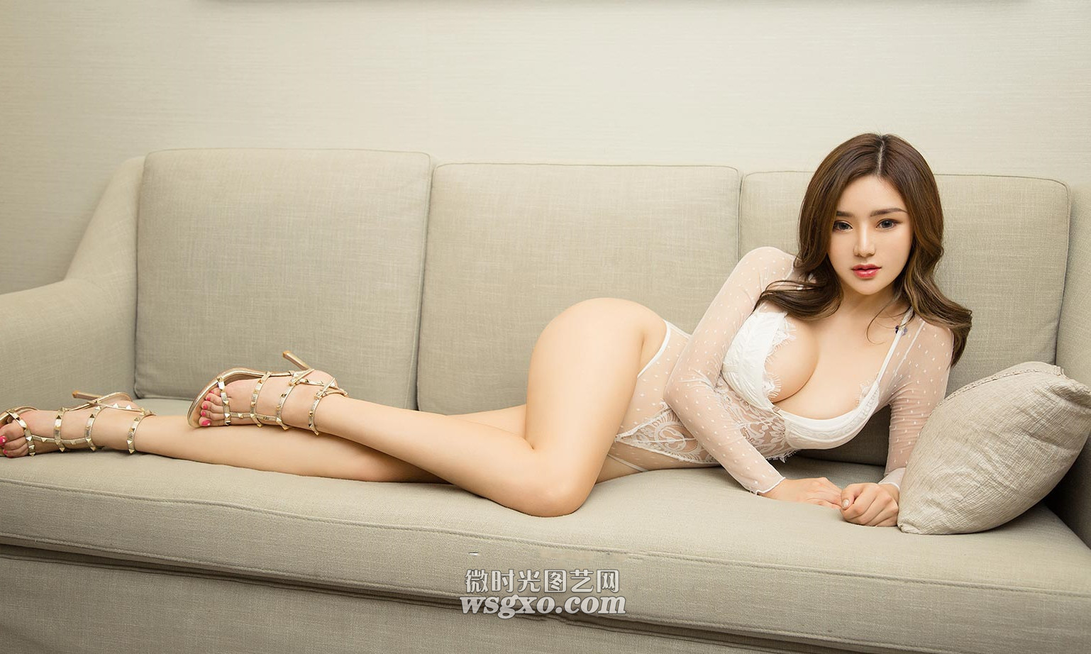 hot Chinese glamour in laying sofa